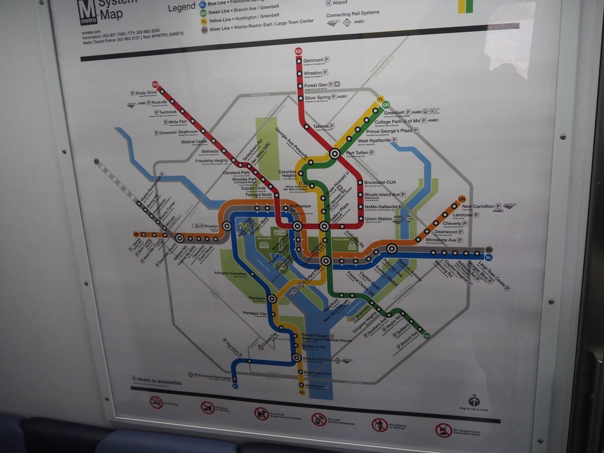 △車内に掲示されたワシントンメトロの路線図